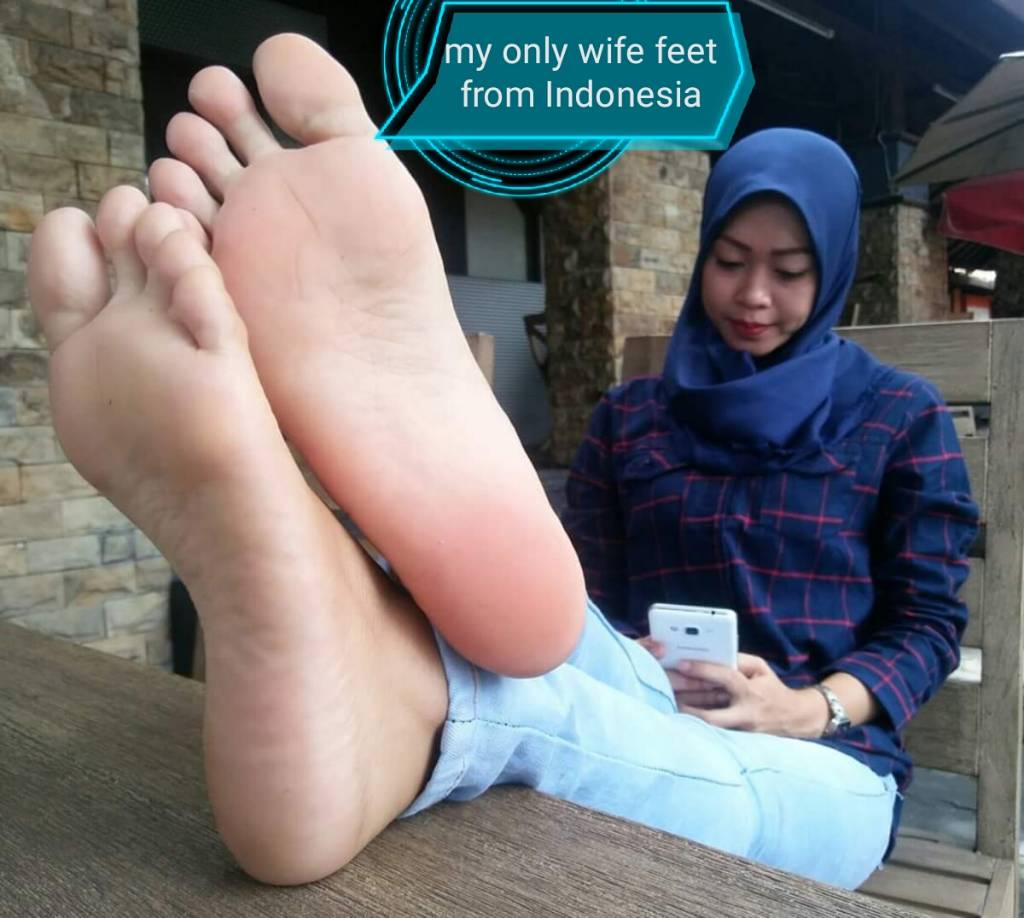 Mother footjob