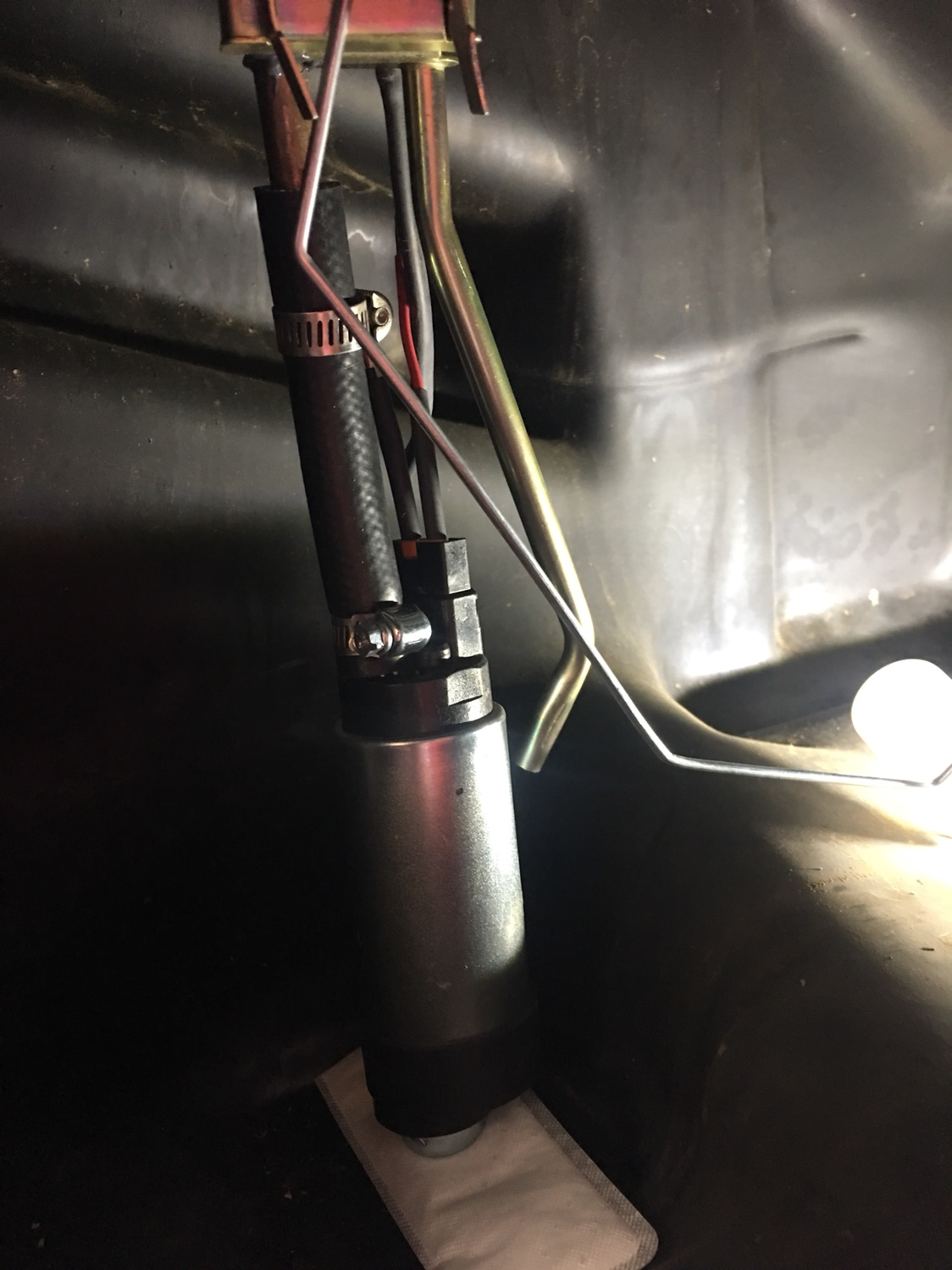 C Fda B E B D Fb on Jeep Cherokee Fuel Pump