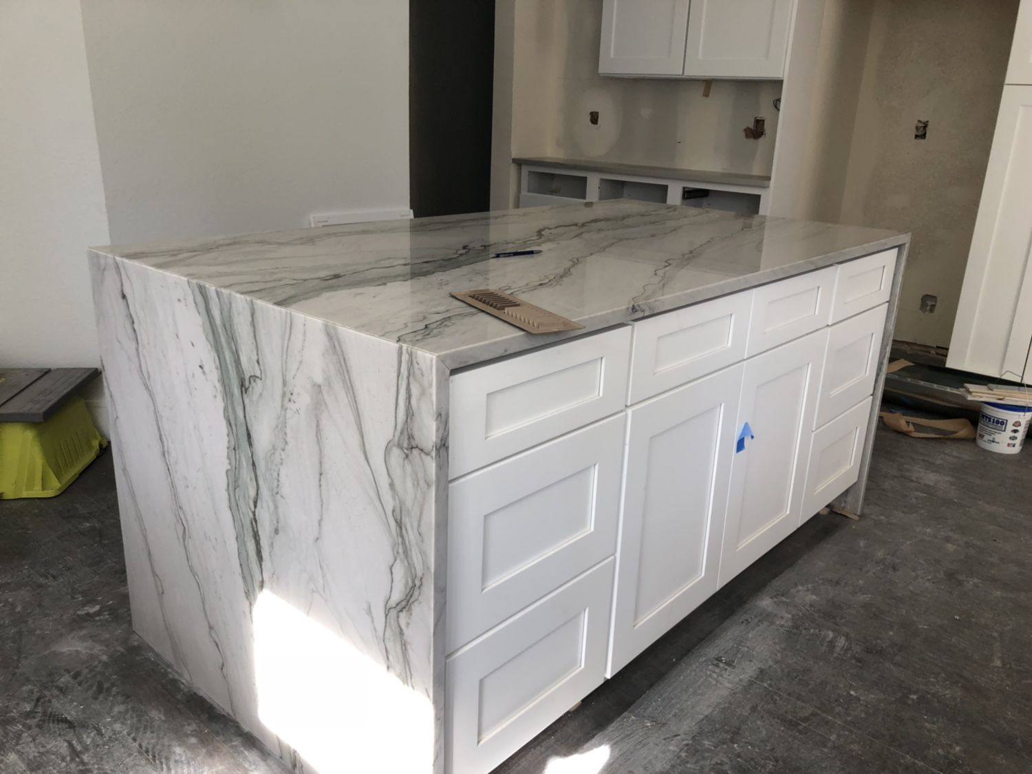Waterfall Counter Tops And Outlets Electrician Talk