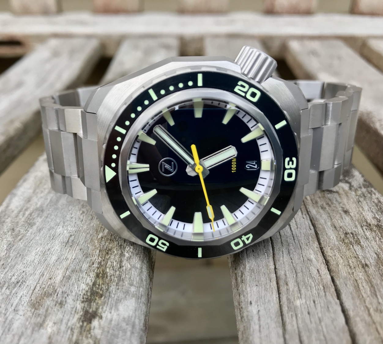 Zelos Hammerhead Titanium 1000m Review | WatchUSeek Watch Forums