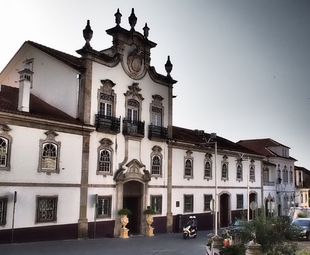 My Three Days In Portugal Adventure Rider Pousadas Of Touring Unlimited Estrelas I Arrived At The Palcio Da Lous Boutique Hotel Around 4 Pm Where They Graciously Offered To Allow Me Part Bike Courtyard Cars Park A Lot