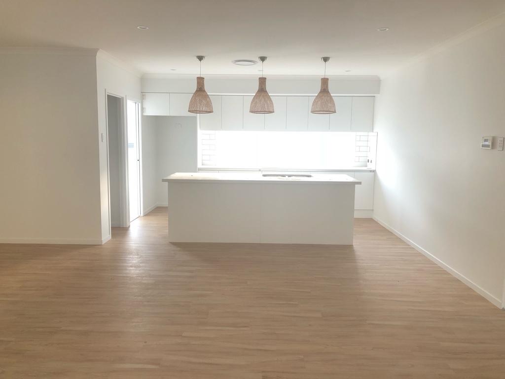 Manhattan 23 - Coral Homes (Week 18: Flooring, Carpet....)