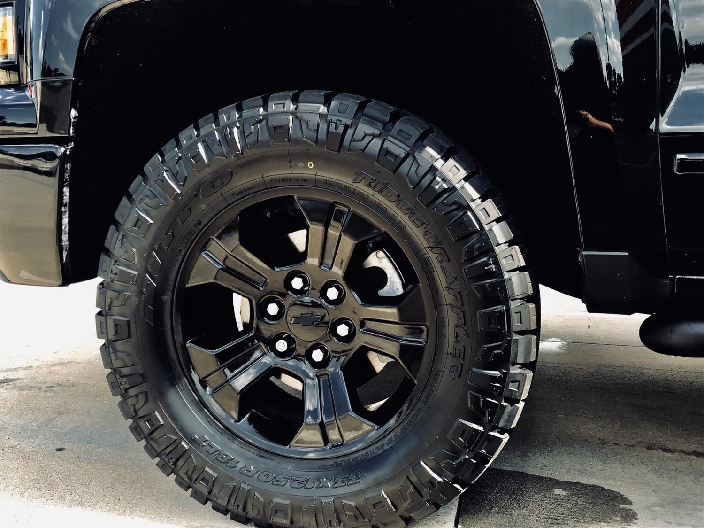 2018 silverado midnight edition tires
