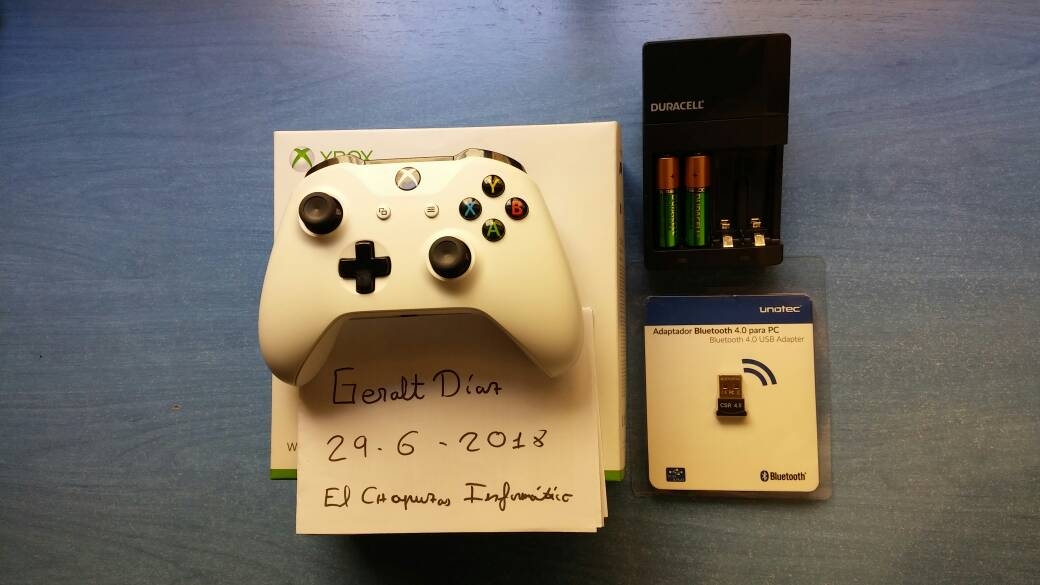 [VENDO] Xbox One Gamepad Inalámbrico Blanco V2 + Bluetooth + Cargador Duracell