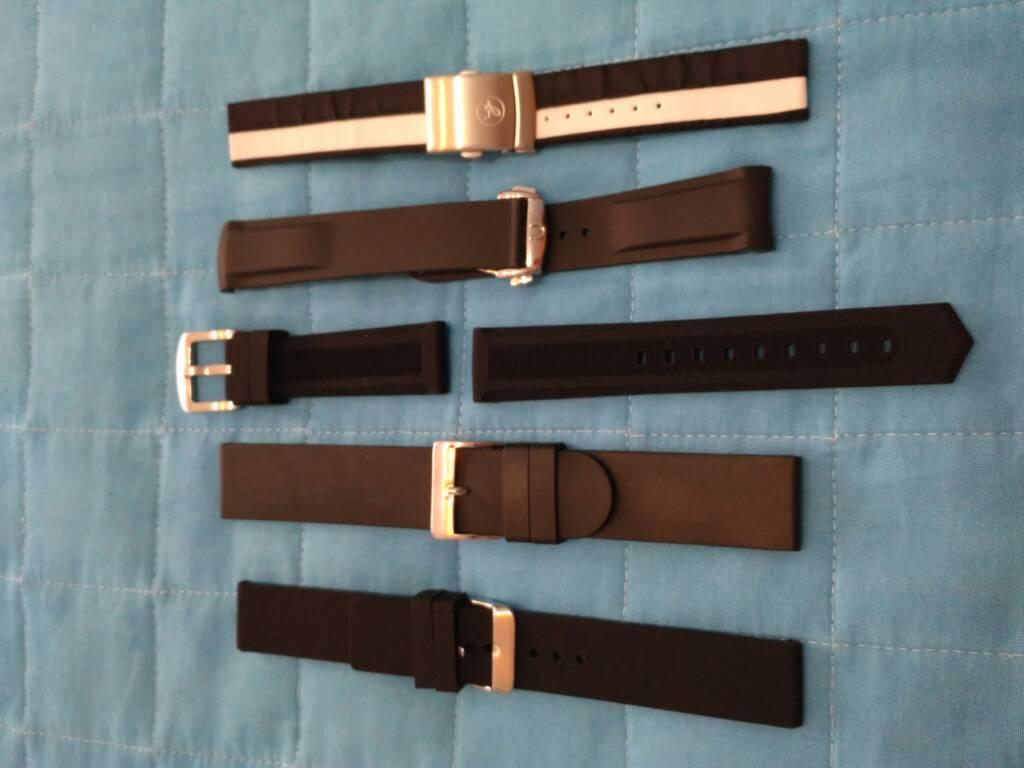 [Vendido] Conjunto de 24 braceletes (aço+pele+Nato) 8290d3ca58c106b0795d5683707c129b