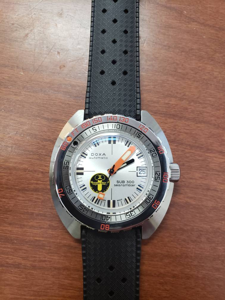 Fs Doxa Sub 300 Amp Amp Quot Silver Lung Amp Amp Quot Reissue The Watch Site