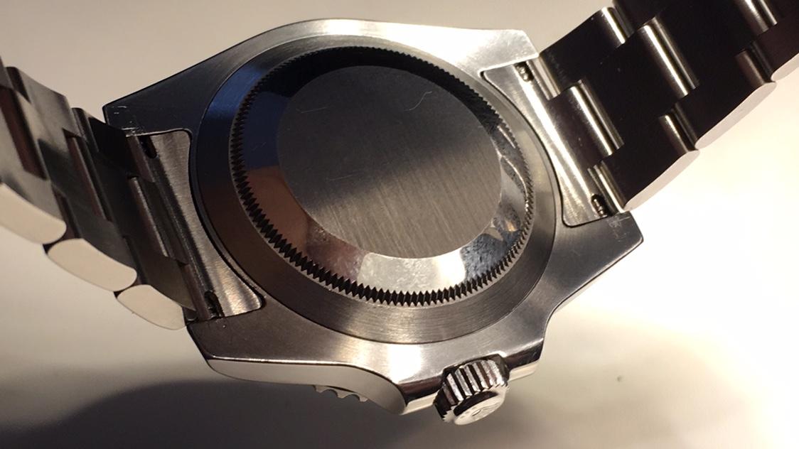 Σύγκριση επεξεργασμένης κάσας VRF 116610 και γνήσιας - Ρολόγια Replica