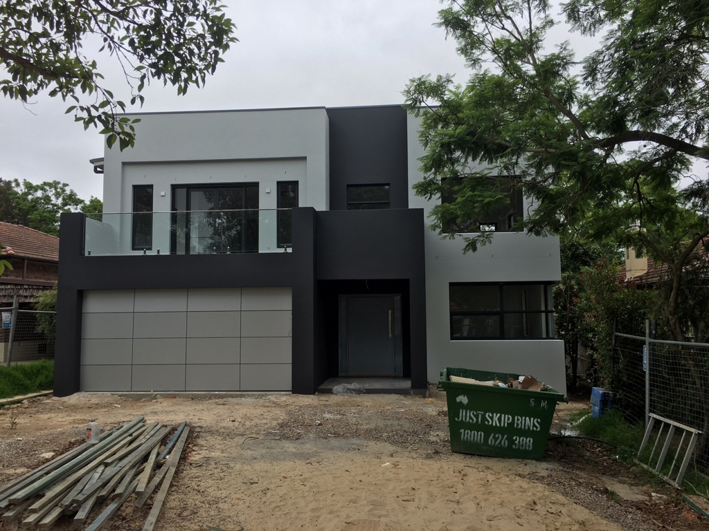 Colorbond 'Monument' 'Basalt' or 'Woodland Grey' for render?