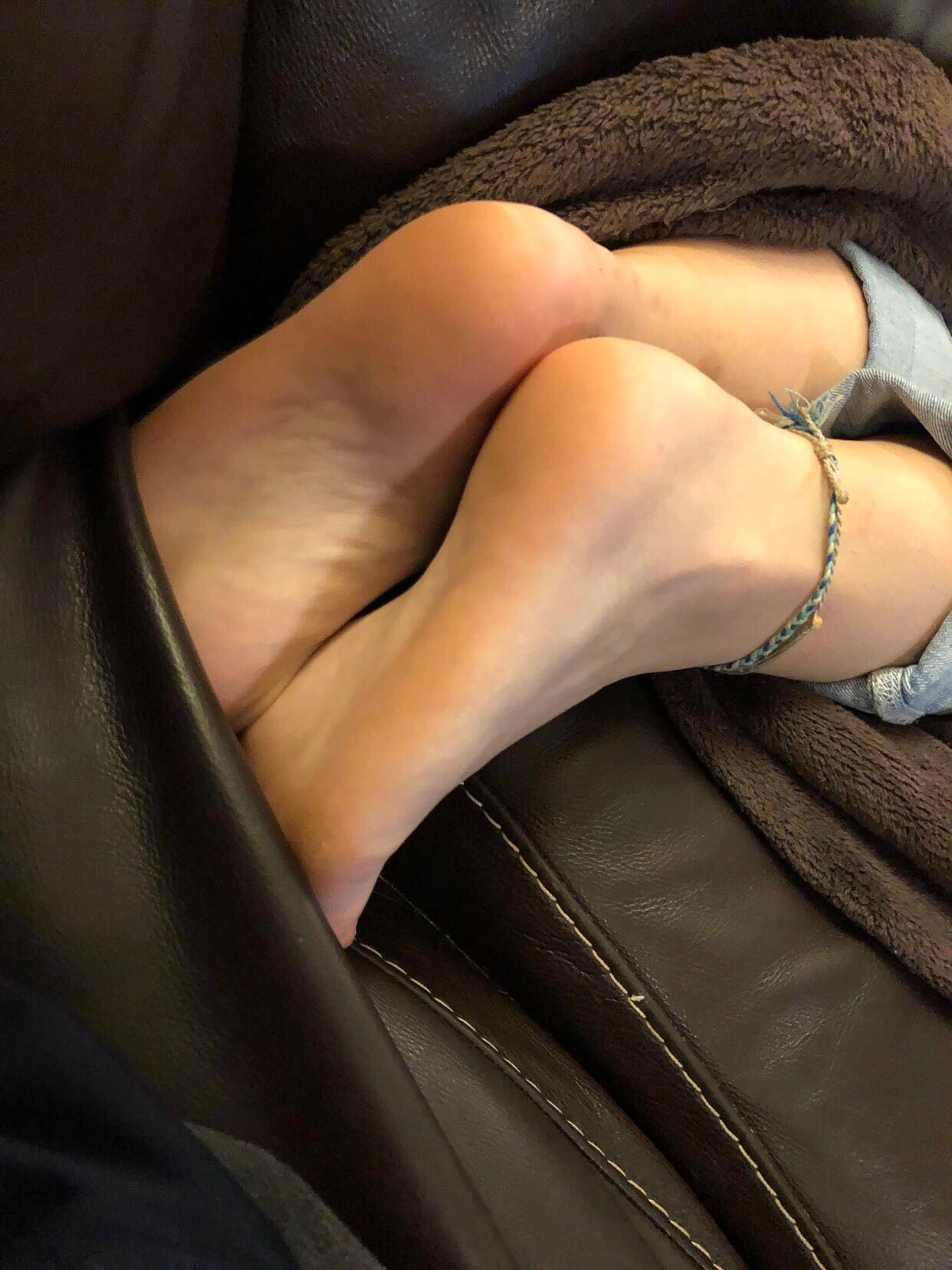 My Sleeping Aunt And Cousin Feet Story Pictures - The -5261
