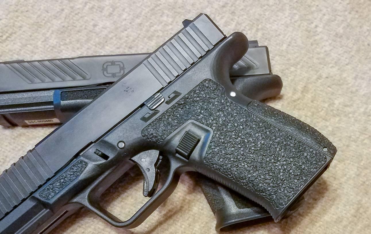 Shadow Systems MR918 Glock 19 Clone - AR15 COM