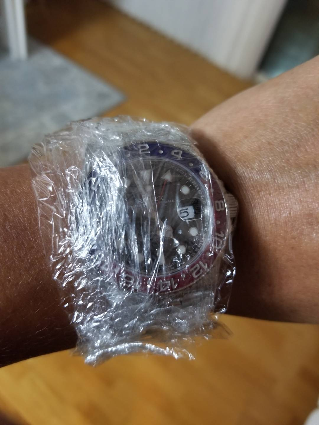 The safe way to wearing your rolex - Rolex Forums - Rolex