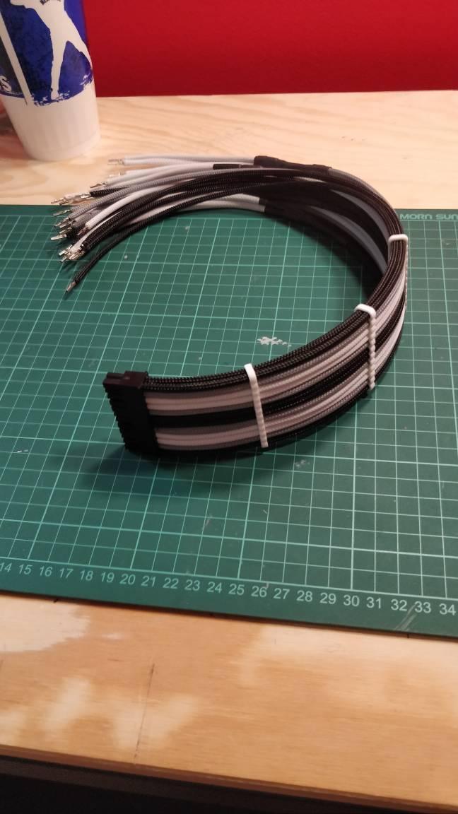 Sleeve cables y extensores PSU [Recopilando informacion]