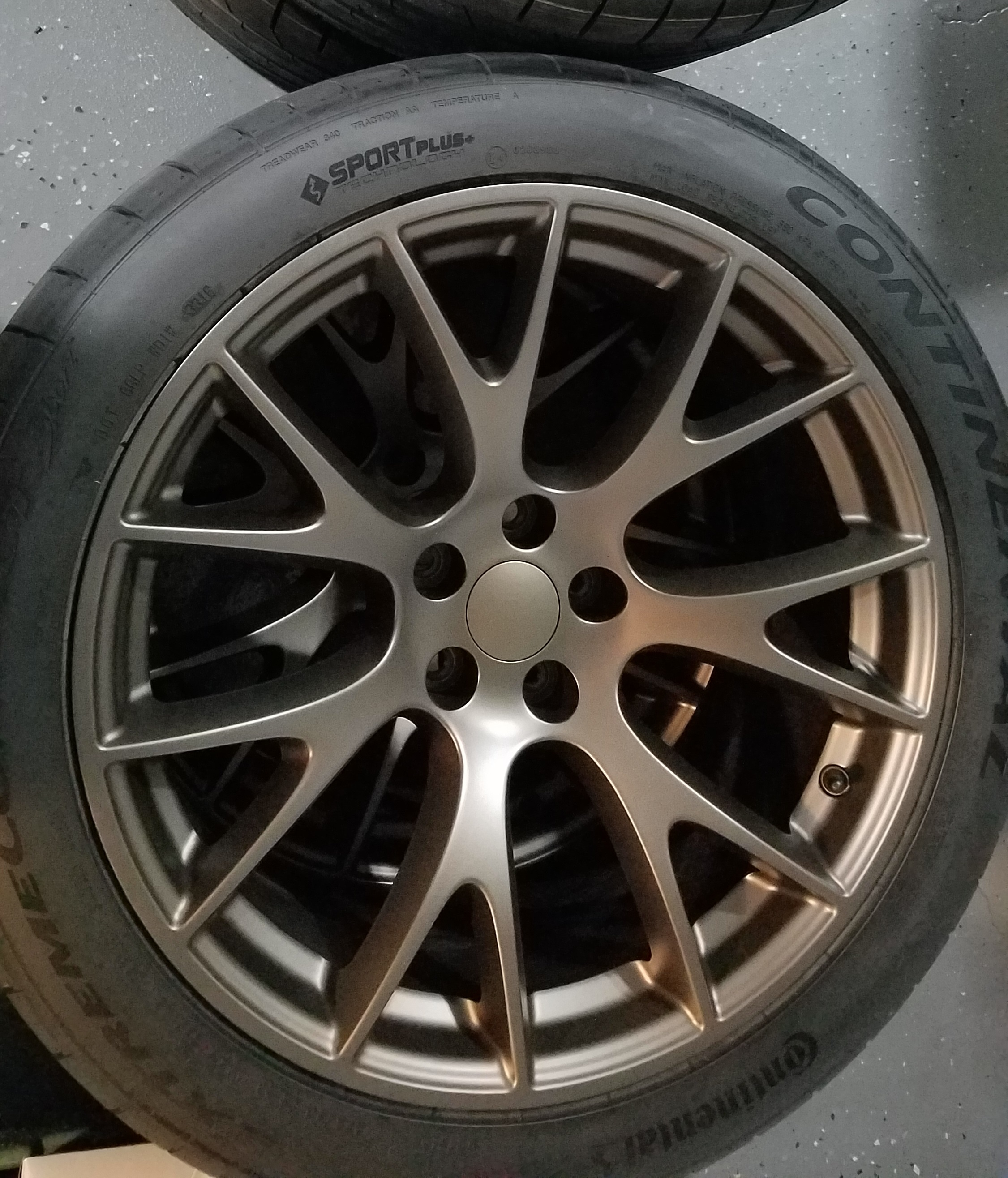 Barely used Hellcat replica 20x9.5/20x10.5 wheel and tire package bronze