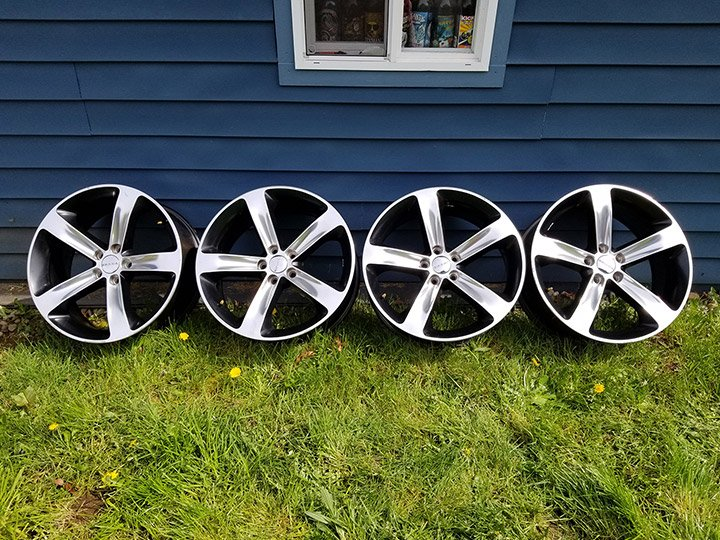 "PRICE LOWERED - 2015 20"" Shaker polished 5 star rims with black pockets"