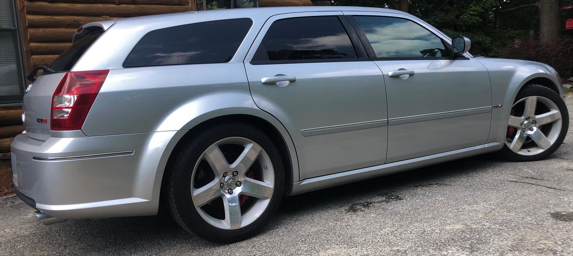 2007 Dodge Magnum SRT8 ~42k Miles... Silver