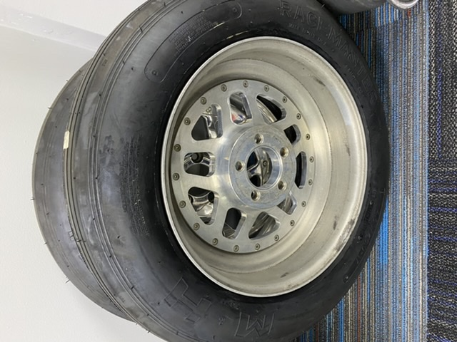 17x5 Bogarts and M&H 28x4.5x17 tire