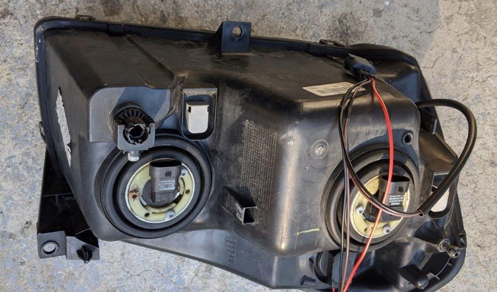 2005 Dodge Magnum R/T OEM Headlights